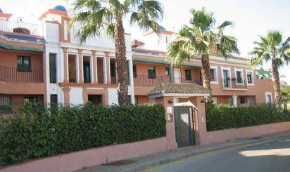 Piso en venta en Urb Montebiarritz - Conjunto Luna Blanca Golf -, Estepona