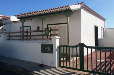 Casa adosada en venta en C/ la Arena, Arico
