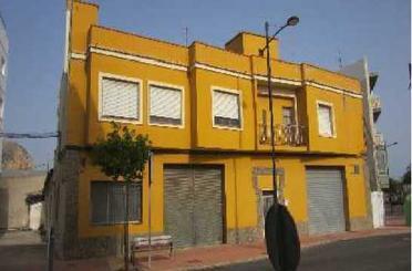 Edificio de alquiler en Av Constitucion, Gandia