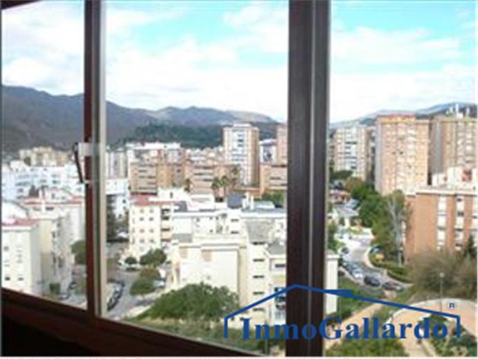 Foto 1 de Piso en Ciudad Jardín / Mangas Verdes - Las Flores - Parque del Sur, Málaga Capital