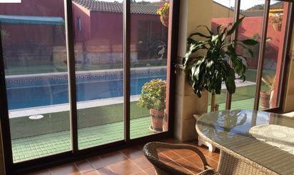 Casas en venta con piscina en España