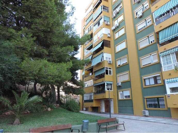 Foto 1 de Dúplex en Calle Avenida Carlos Haya / Carlos Haya, Málaga Capital