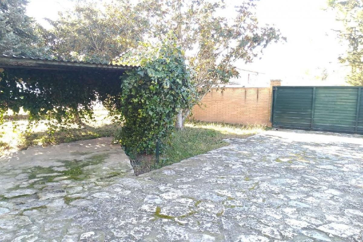 Casa en Gimenells i el Pla de la Font