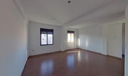 Bank Wohnungen zum verkauf in Museros
