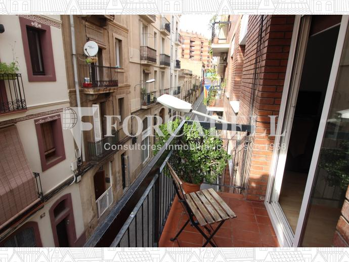 Foto 3 de Piso en Calle Jocs Florals / Sants,  Barcelona Capital