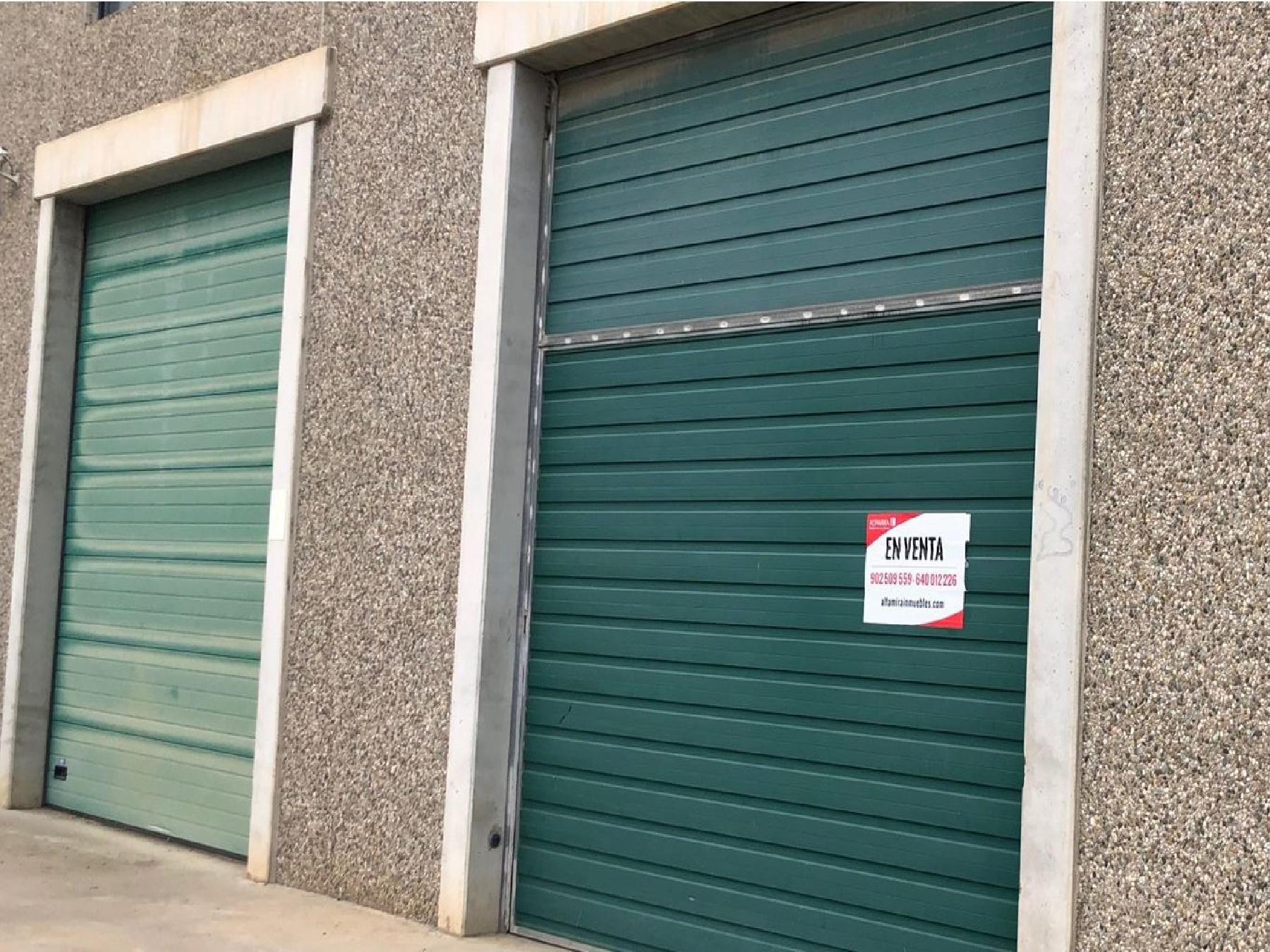 Rent Industrial building in Alcarràs