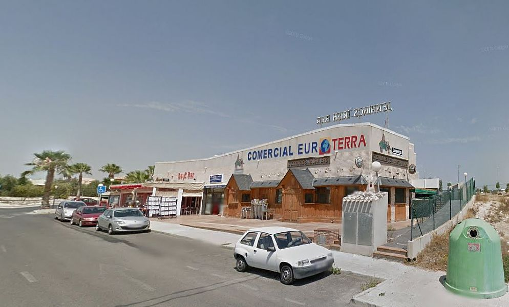 Locale commerciale in Urbanizaciones