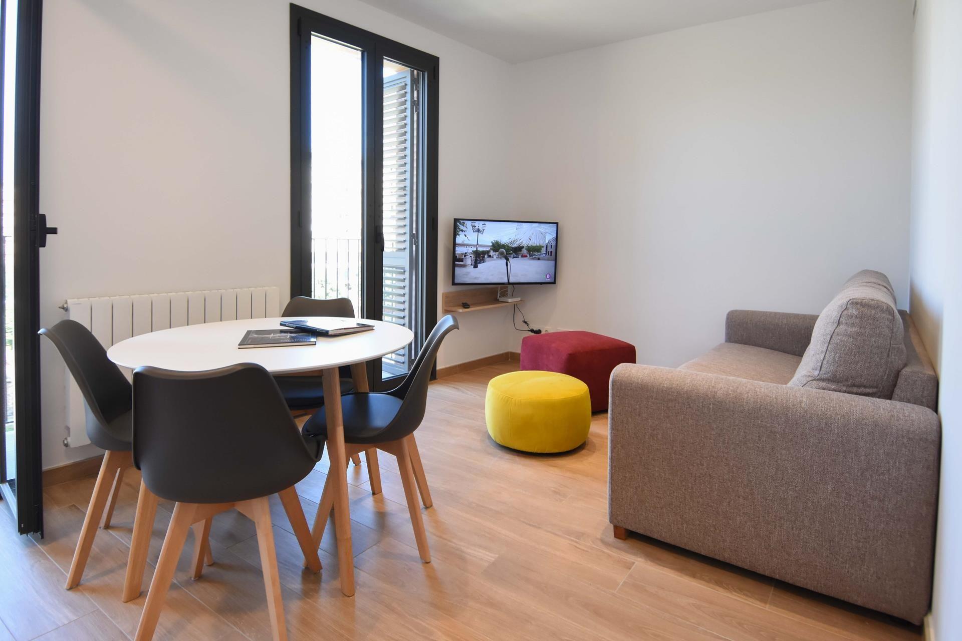 Alquiler Piso  Centro - barri vell. Apartamento  de 2 dormitorios y 1 baño  apartment rentals girona