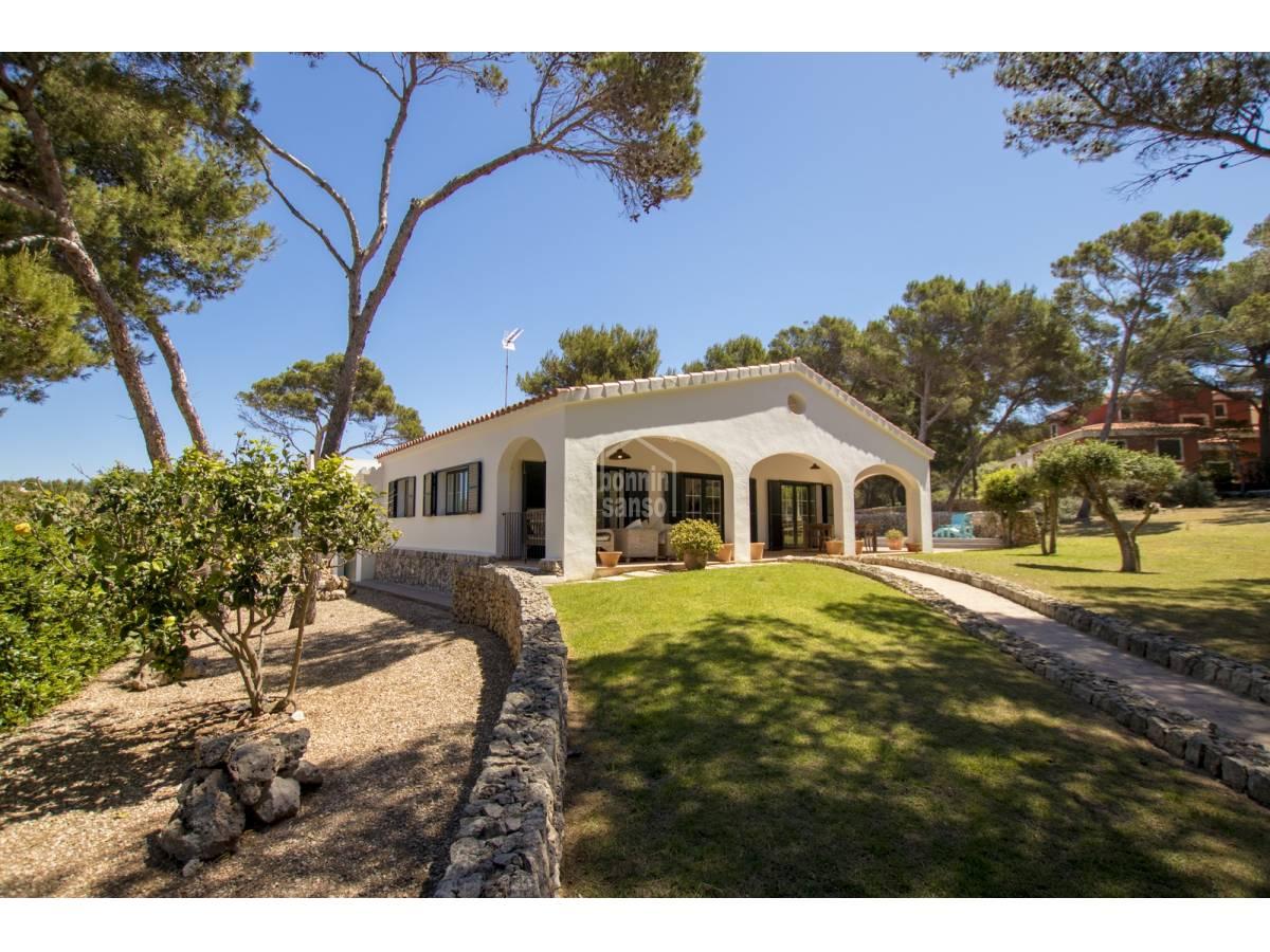 Casa  Son parc. Villa contemporánea, practica y luminosa cerca de la playa de so