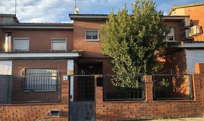 Haus oder Chalet zum verkauf in Maxima Felisa Gomez de Agüero, Rielves
