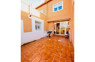 Casa adosada en venta en Magán