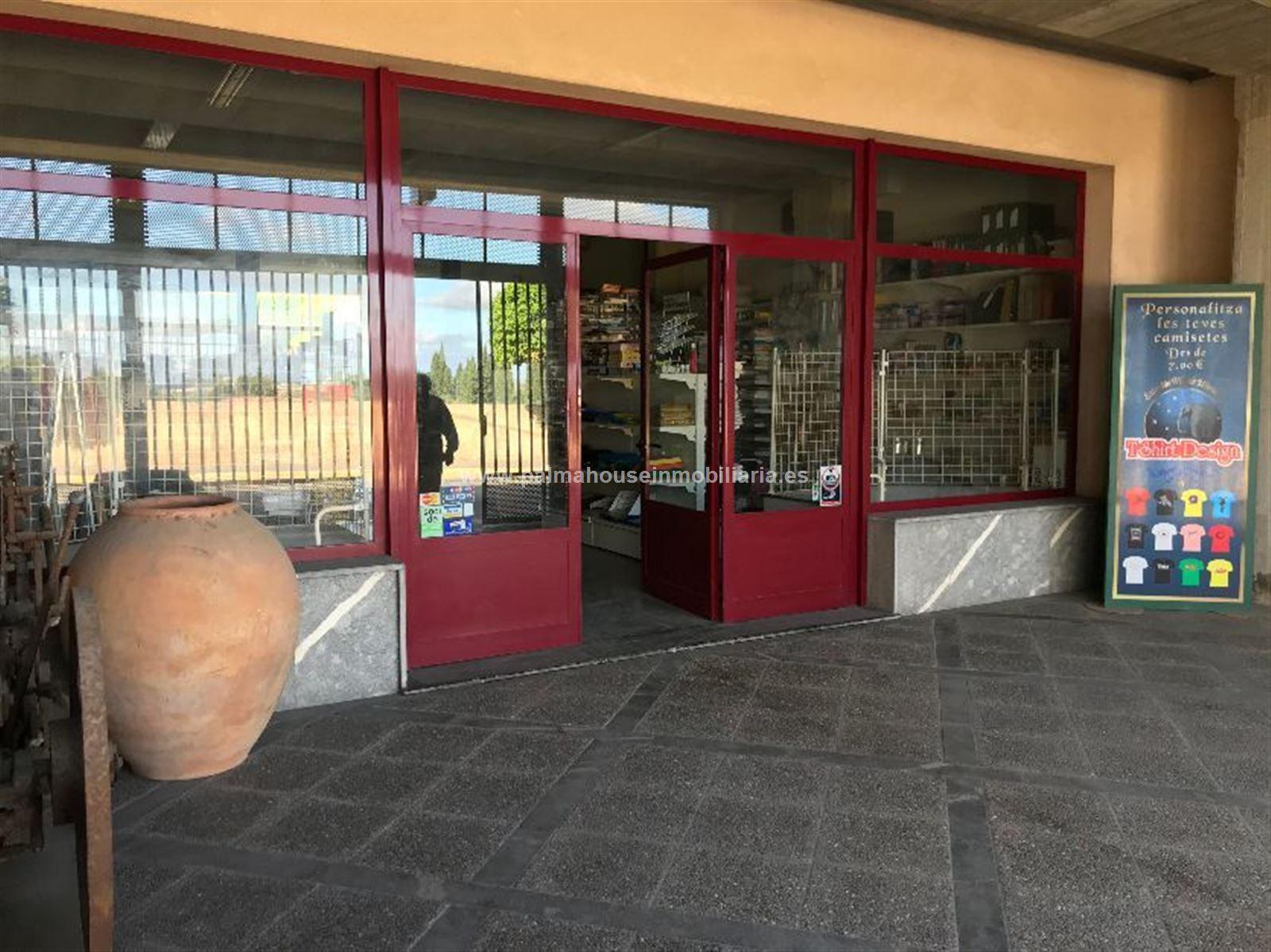Local Comercial  Santa margalida - santa margarita. Espectacular local tipo loft con patio y gran terraza