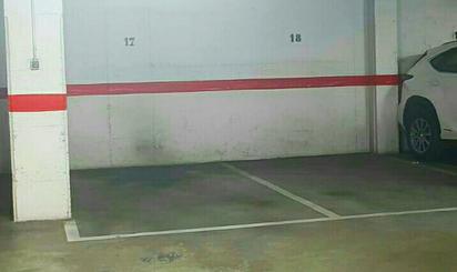 Garaje de alquiler en Monestir de Poblet, 22, Piscinas