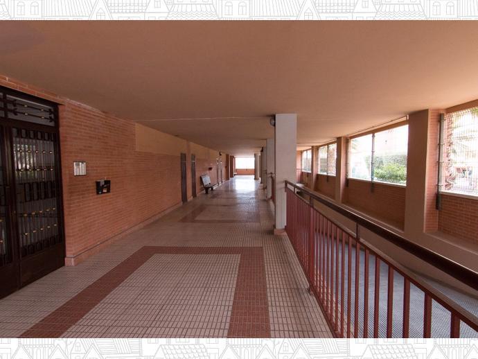 Foto 3 de Piso en Almeria ,Alcampo / San Luis,  Almería Capital