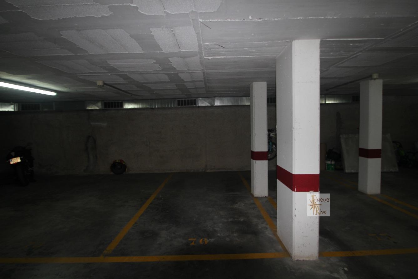Garaje en venta en Zona Mercat