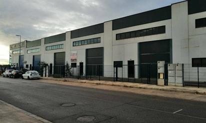 Nave industrial en venta en Los Pinares - La Masia