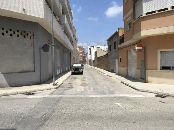 Parking coche en Pego. Garaje en pego