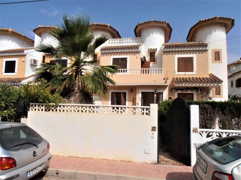Casa adosada en Orihuela Costa - Cabo Roig - La Zenia