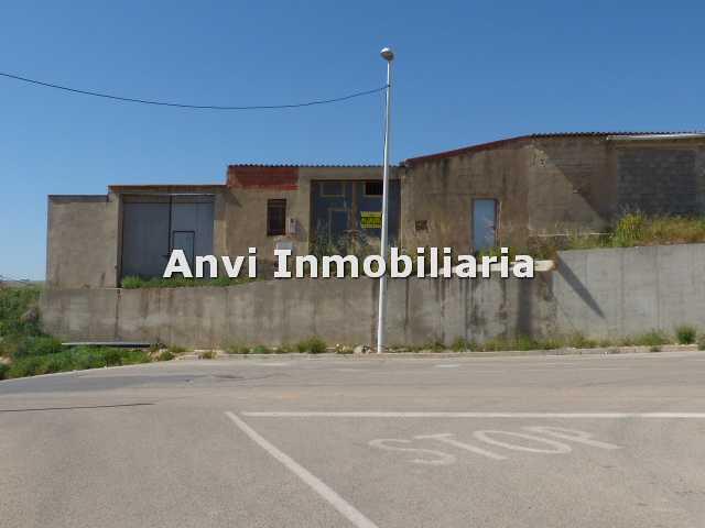 Business premise  Calle olocau. Vendo 2 corrales-almacenes en Benaguasil, de 586 m2 entre los do