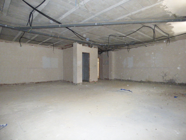 Local commercial  Zona consum. Ref: l359 – precio: 30.000€ - vendo local en benaguasil de 75 m2