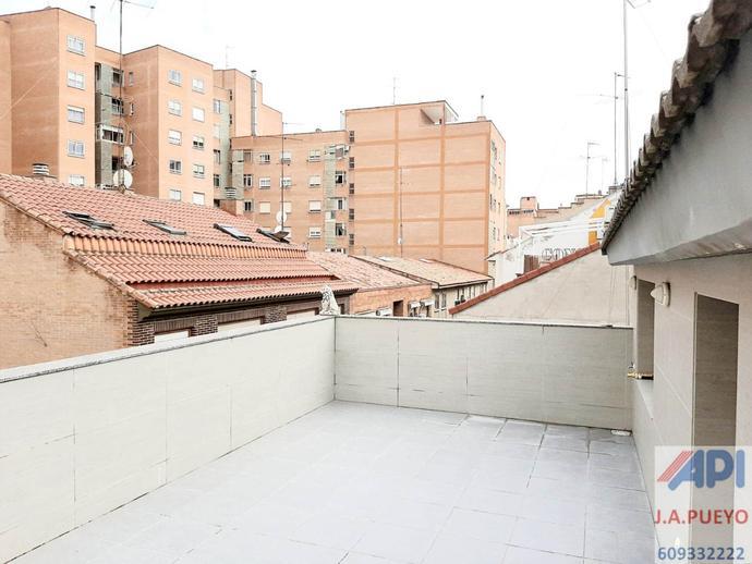 Foto 2 de Casa adosada en venta en Calle Nuestra Señora de Begoña, 22 La Bozada – Parque Delicias, Zaragoza