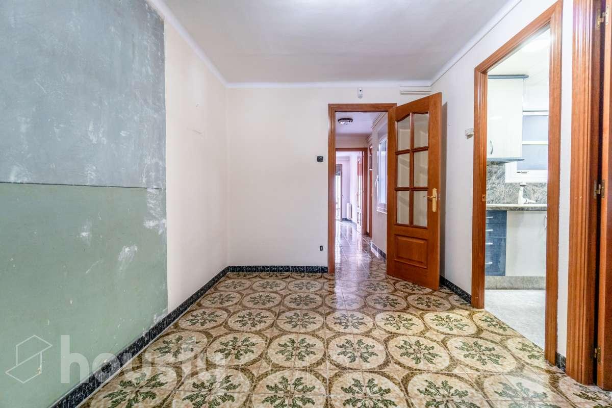 Piso  Carrer tossal del coro, 7. Acogedor piso en manresa  compraventa entre particulares y sin c