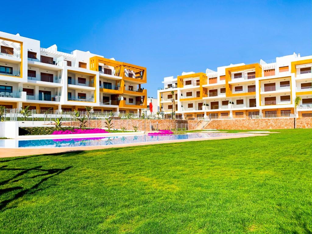 Àtics en venda a Vega Baja