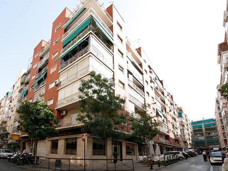 Pisos en venta con terraza en Granada Capital