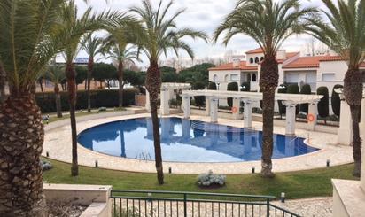 Plantas intermedias de alquiler vacacional con piscina en España