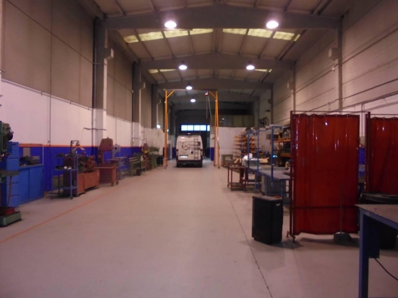 Fabrikhalle  Santa anna iii. Nave industrial de 700 m2., (56x12,5x9 alt.) en un solar de 888