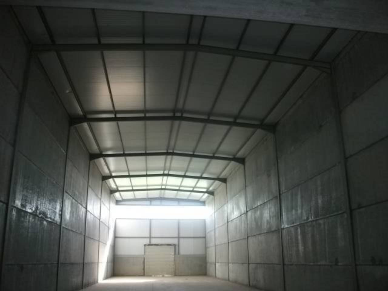 Nave industrial  P.i. santa anna. Nave industrial de nueva construcción a estrenar de 580 m² y un