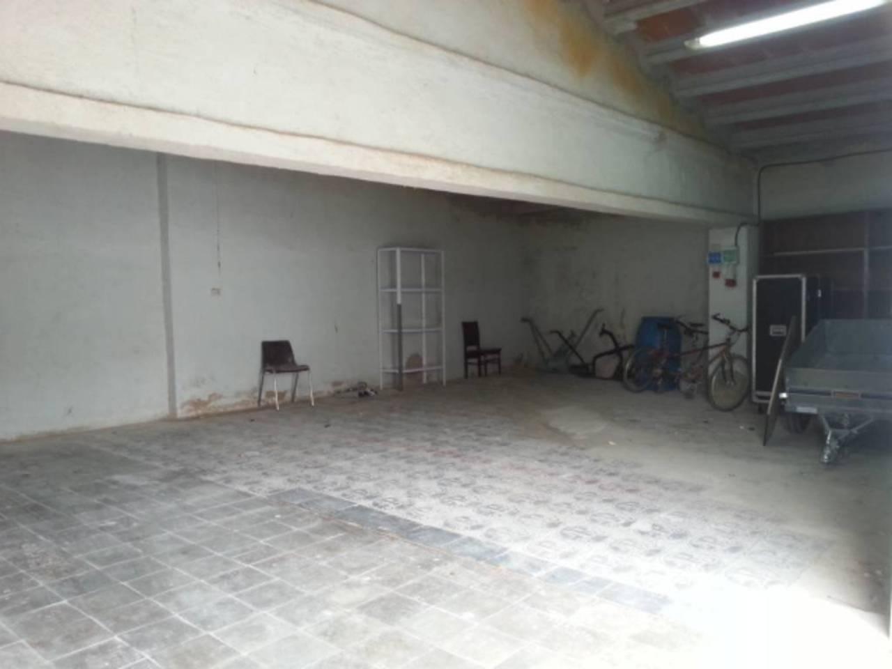 Lloguer Local Comercial  Sant marti de torroella. Superf. 105 m².