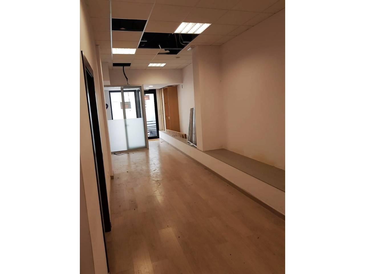 Lloguer Local Comercial  Centre. Oficina de 60 m2 en el centro de san juan, preparada para entrar