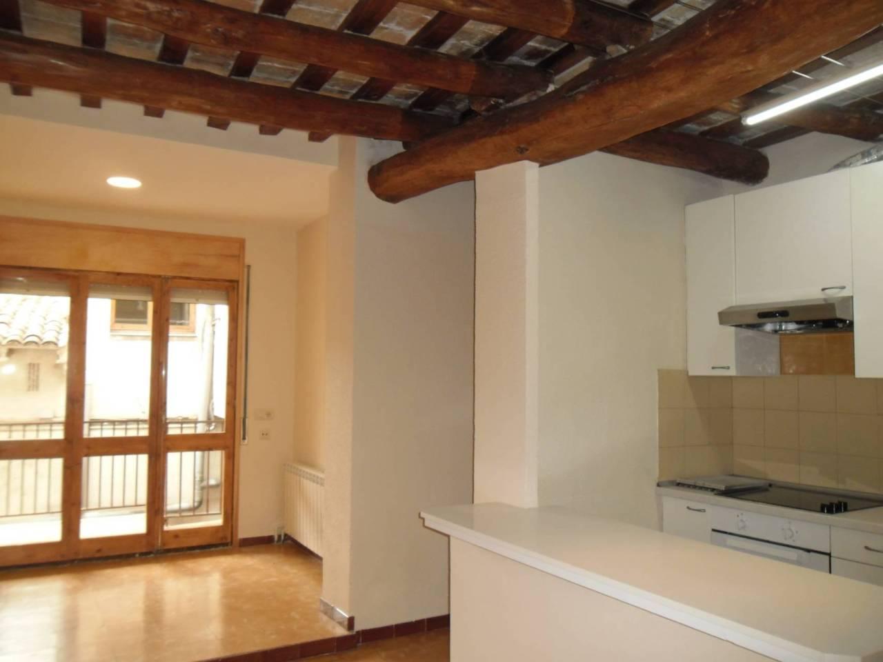 Location Appartement  Sant joan de vilatorrada. Si quieres vivir en plena naturaleza, tenemos un piso rural de 6