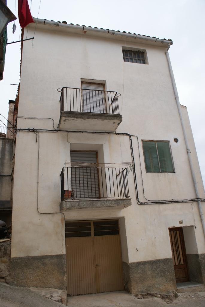 Casa en venta con 208 m2, 3 dormitorios  en Valderrobres