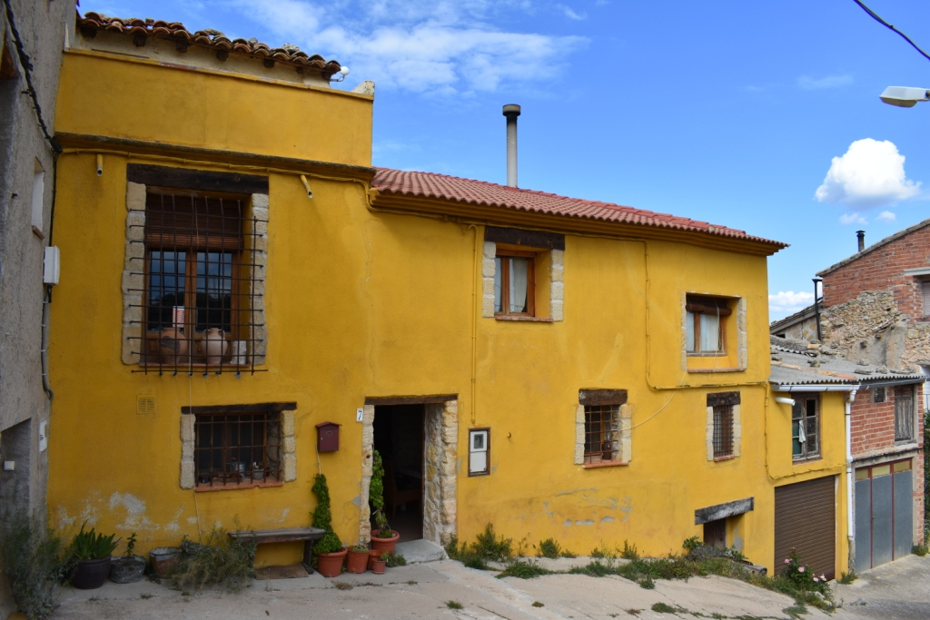 Casa en venta con 274 m2, 3 dormitorios  en Fórnoles