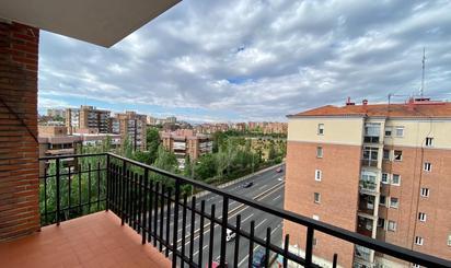 Piso en venta en Calle de Villagarcía,  Madrid Capital