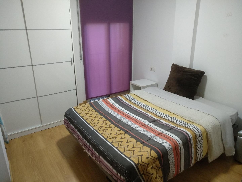 Alquiler Piso  Lleida capital - la bordeta. Acogedor apartamento seminuevo amueblado con plaza de parquing,