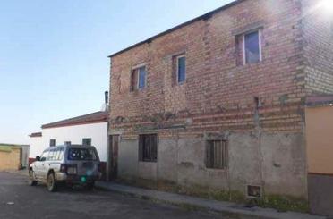 Casa adosada en venta en Atanor, 58, Escacena del Campo