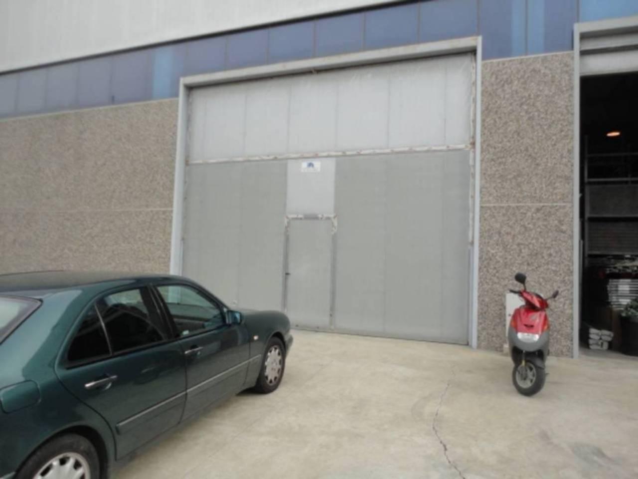 Nave industrial  Poligono industrial camí dels frares calle j. Polig. cami del frares, nave superf. 800 m², útil 800 m²,  1 ase