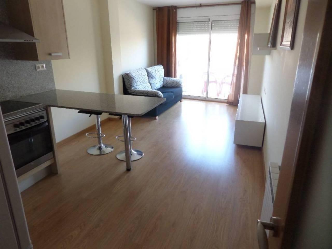 Lloguer Pis  Calle francesc. Torrefarrera, con muebles , parking y trastero incluido, apartam