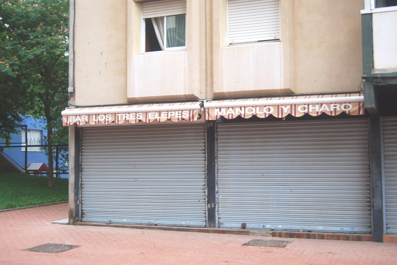 Local comercial en traspaso en Canyelles