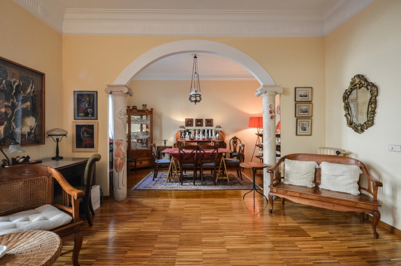 Alquiler de Temporada Piso  Vía laietana. Bonito apartamento en el barrio gótico de barcelona  a tan sólo