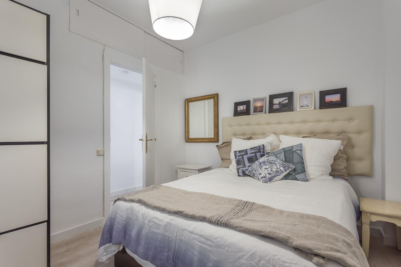 Lloguer de temporada Pis  Carrer dels tiradors. Modern 1-bedroom apartment for rent in el born