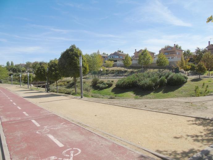 Foto 2 de Urbanizable en venta en Calle Luxemburgo de Zona Europa, Madrid
