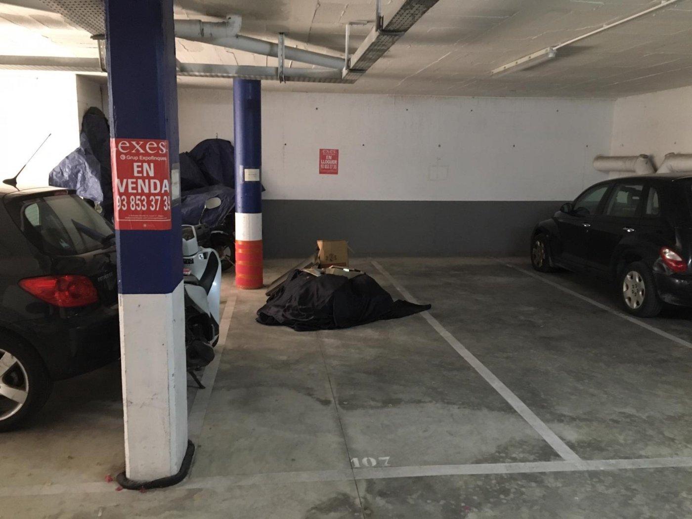 Lloguer Aparcament cotxe  Sitges ,can pei. Parking en josep irla, can pei, de 16m2 útiles.