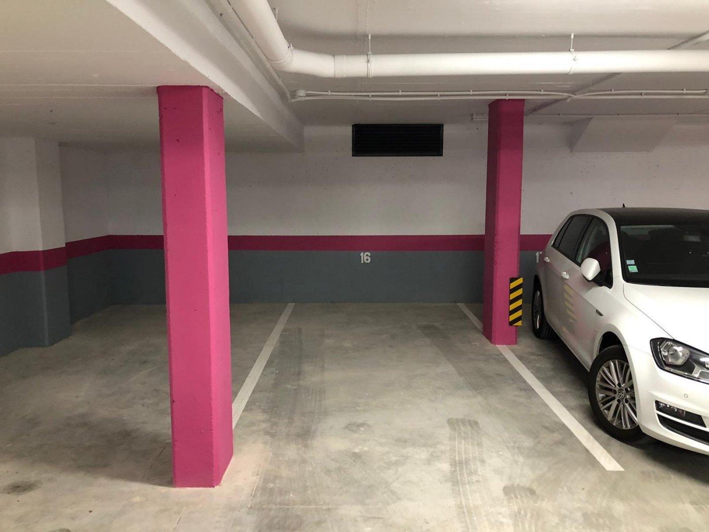 Lloguer Aparcament cotxe  Sitges ,centre. Plaza de parking de alquiler en carrer sant antoni, sitges centr