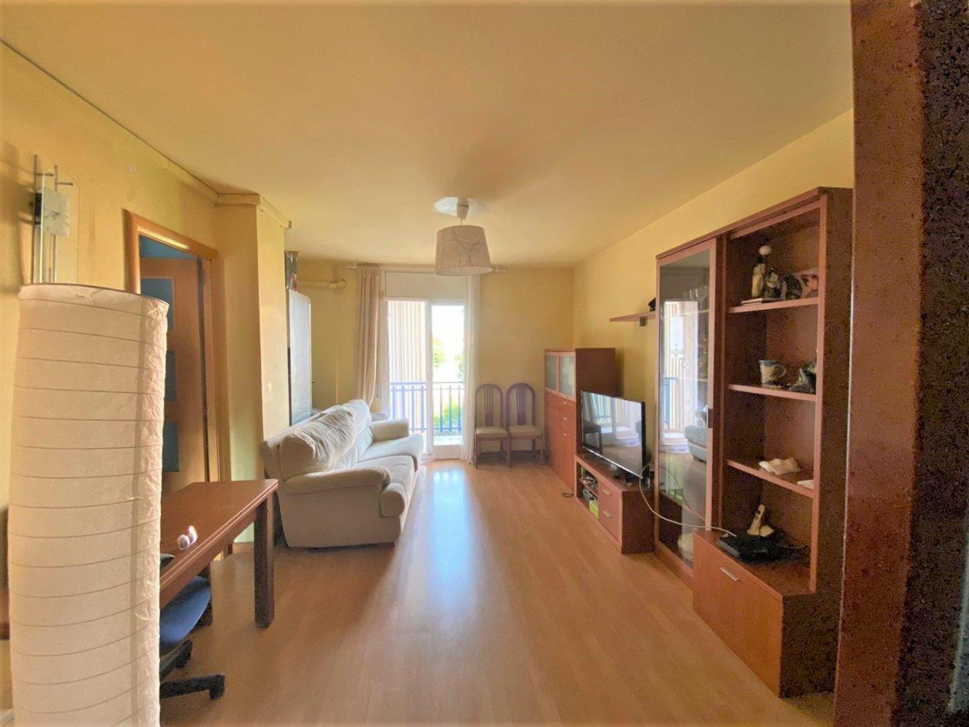Piso  Sitges ,centre. Acogedor piso en sitges, con dos balcones, ascensor y una magníf