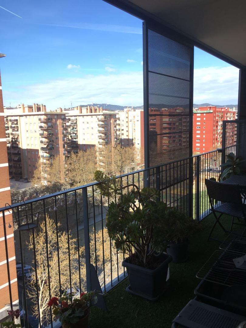 Piso  Calle gelida, 1. Piso del año 2009 con dos amplias terrazas de 20 m2 cada una  y