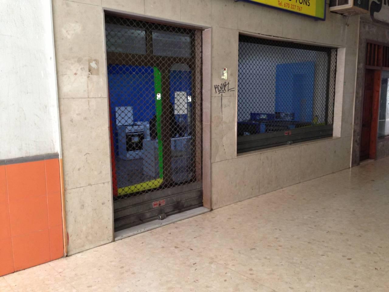 Business premise  Calle nou  (pasaje). Superf. 58 m², 56 m² solar, accesibilidad, altillo, escaparate,